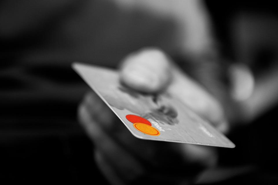 tarjeta de crédito sin consultar al buro en internet (Foto: Pixabay)